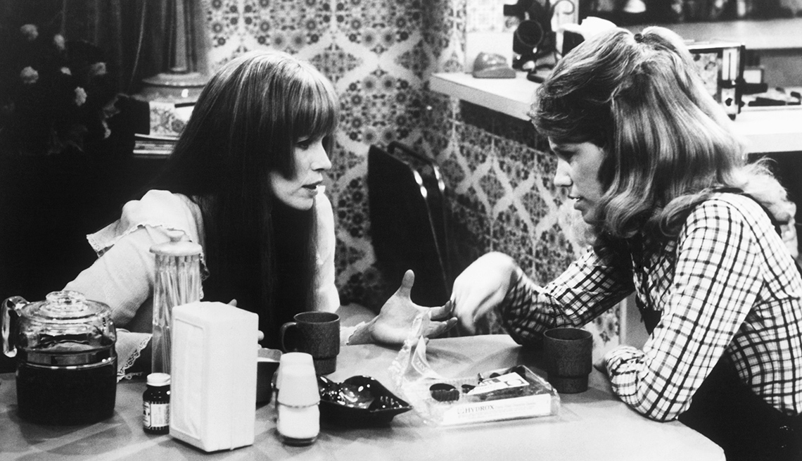 """item 7 of Gallery image - Louise Lasser, Mary Kay Place in """"Mary Hartman, Mary Hartman"""""""