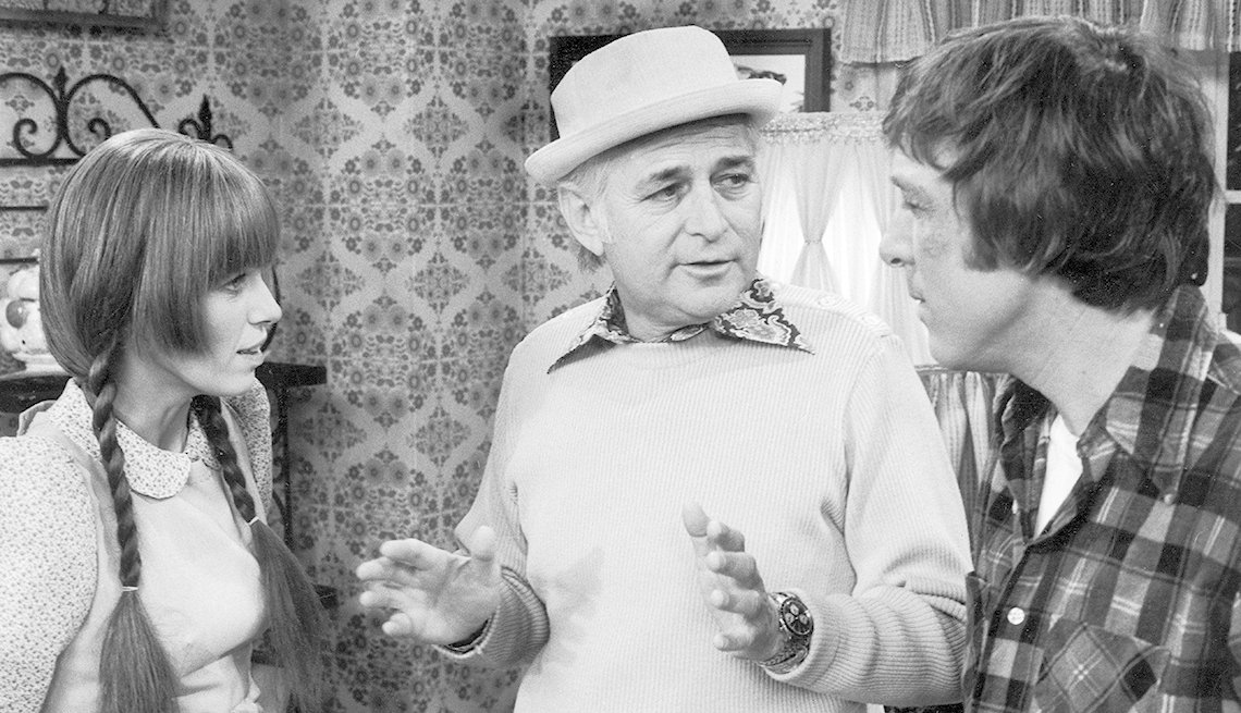 "Norman Lear directs Louise Lasser and Greg Mullavey on the set of ""Mary Hartman, Mary Hartman"""
