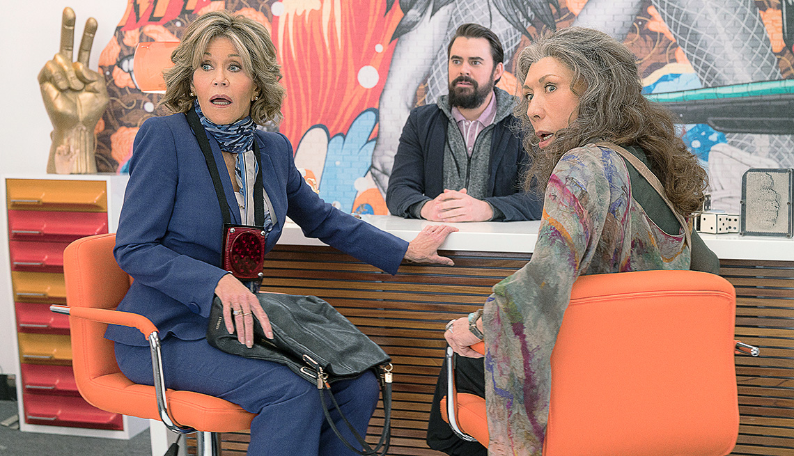 "Jane Fonda, Lily Tomlin in ""Frankie and Grace"" on Netflix"