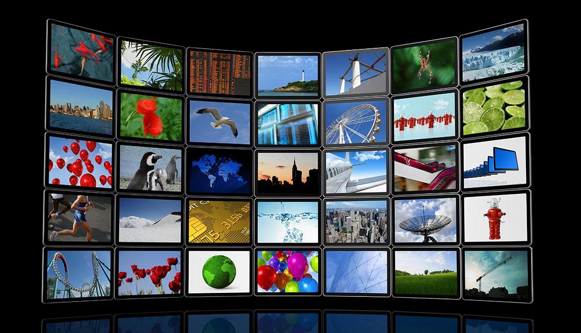 Pantallas de televisor juntas y curvas para formar una gran pantalla