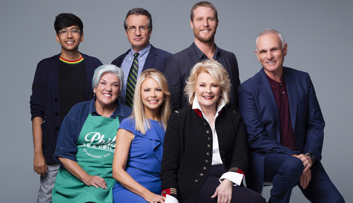 """item 4 of Gallery image - """"Murphy Brown"""" cast, including star Candice Bergen"""