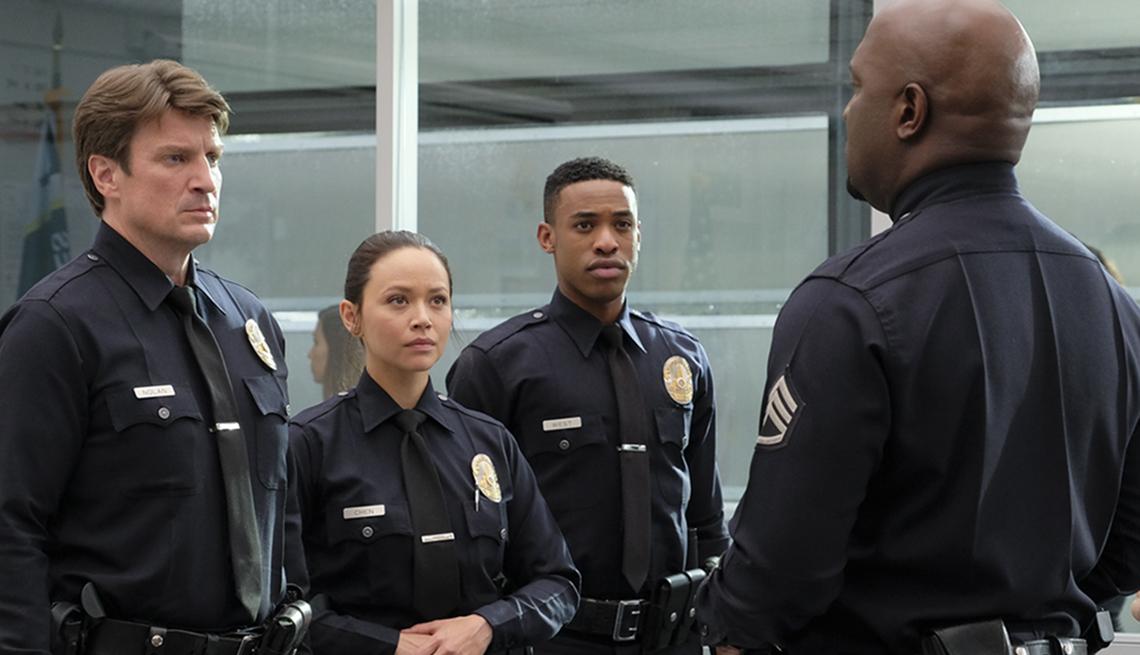 """Nathan Fillion, Melissa O'Neil, Titus Makin, Richard T. Jones in """"The Rookie"""""""