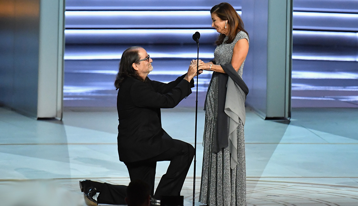 Glenn Weiss proposes on stage at Emmys