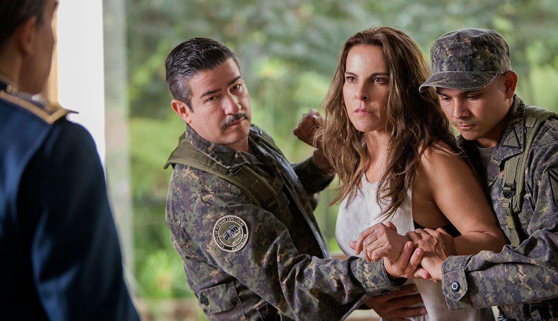 Escena de Ingobernable, serie de Netflix con Kate del Castillo