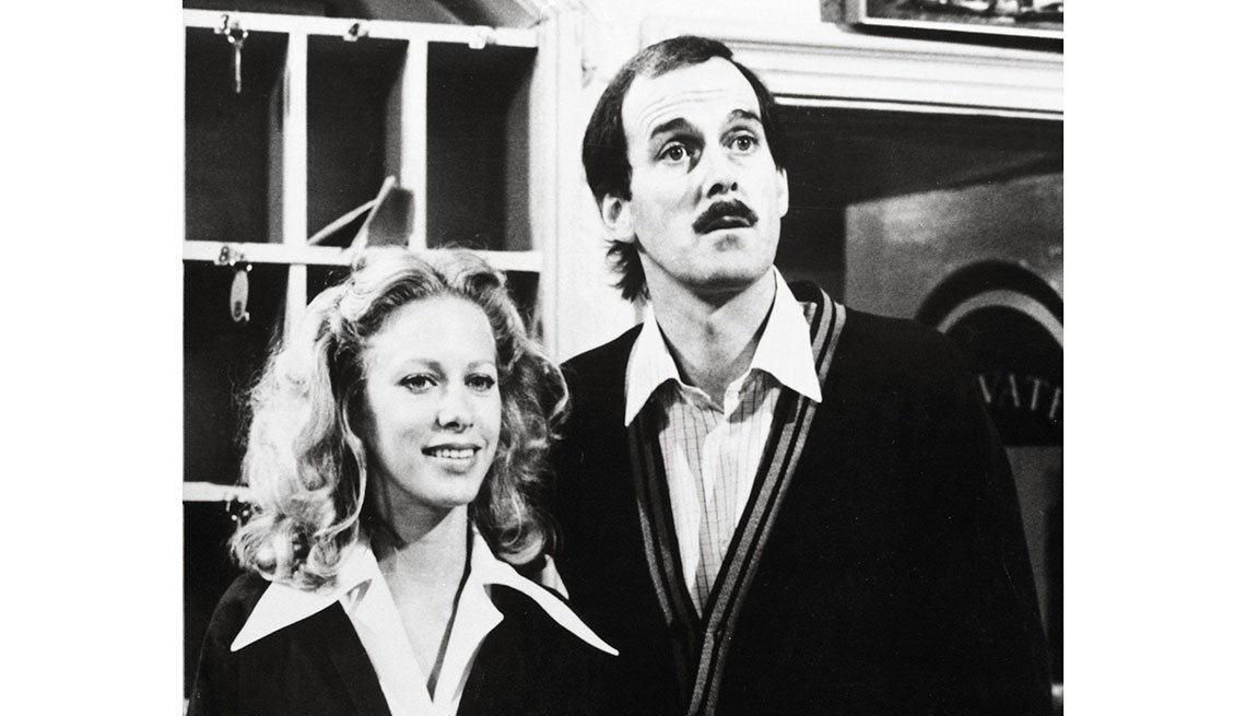 item 4 of Gallery image - John Cleese y Connie Booth