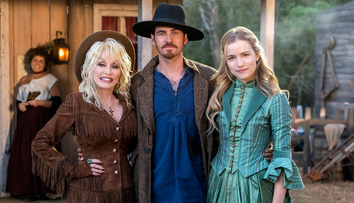 Dolly Parton, Colin O'Donoghue, Willa Fitzgerald in 'DOLLY PARTON'S HEARTSTRINGS'