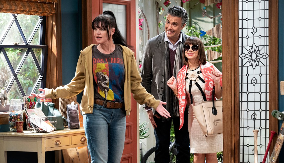 Pauley Perrette Jaime Camil and Natasha Leggero star in the C B S show Broke