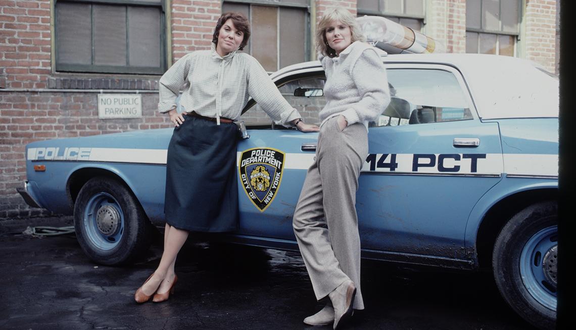 Sharon Gless y Tyne Daly en el show Cagney y Lacey.