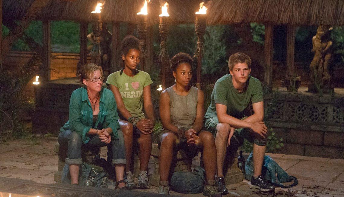 Kassandra Kass McQuillen, J'Tia Taylor, Latasha Tasha Fox, y  Spencer Bledsoe en el show Survivor: Cagayan.