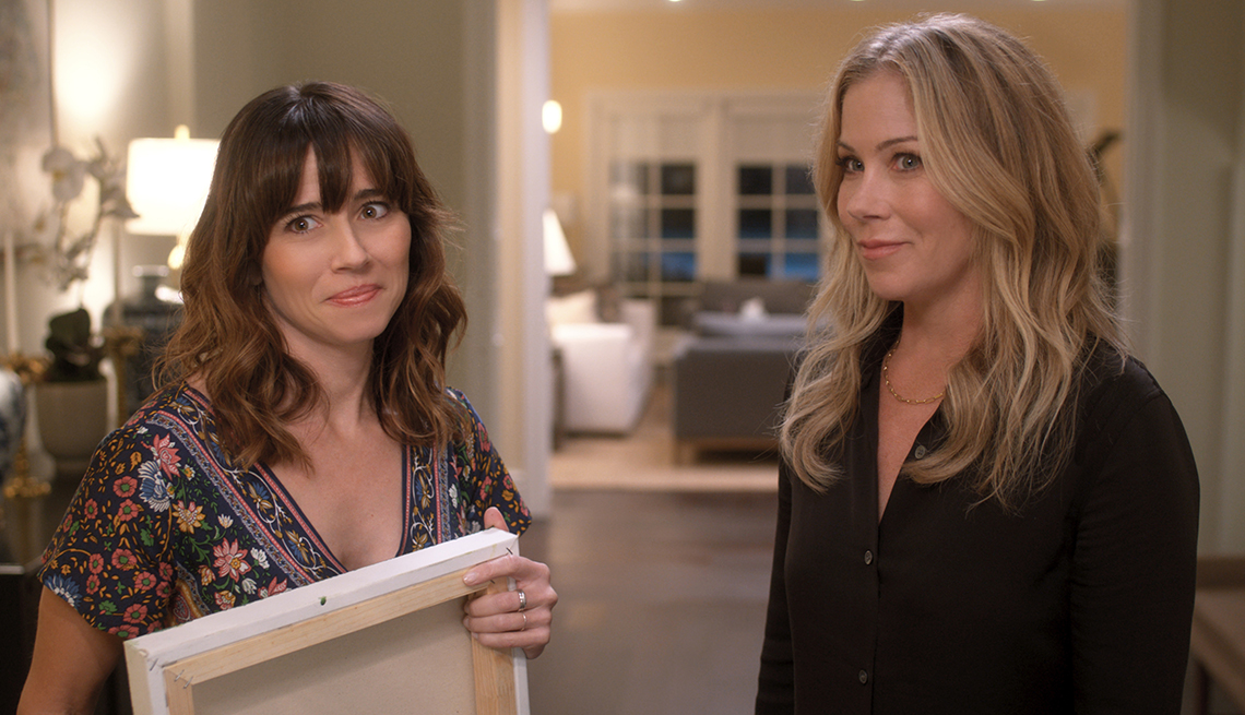 Linda Cardellini stars as Judy Hale and Christina Applegate as Jen Harding in the Netflix show Dead to Me