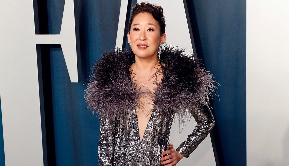 Sandra Oh en la fiesta de Vanity Fair del Óscar, febrero 2020, Beverly Hills, California.