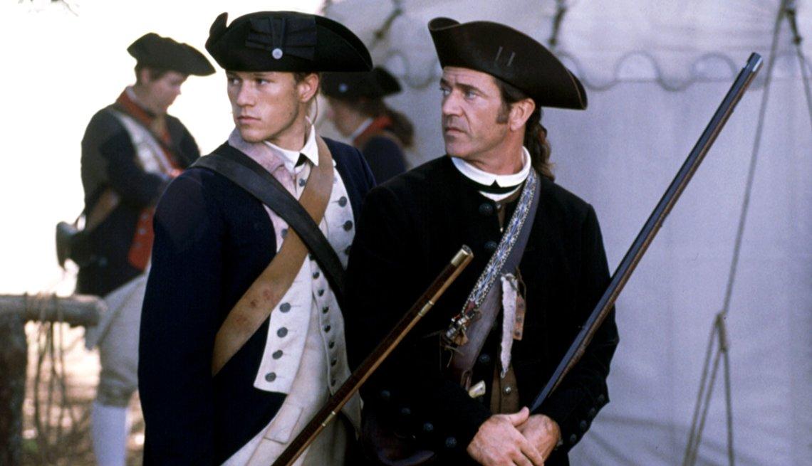 Heath Ledger y Mel Gibson en una escena de la película The Patriot