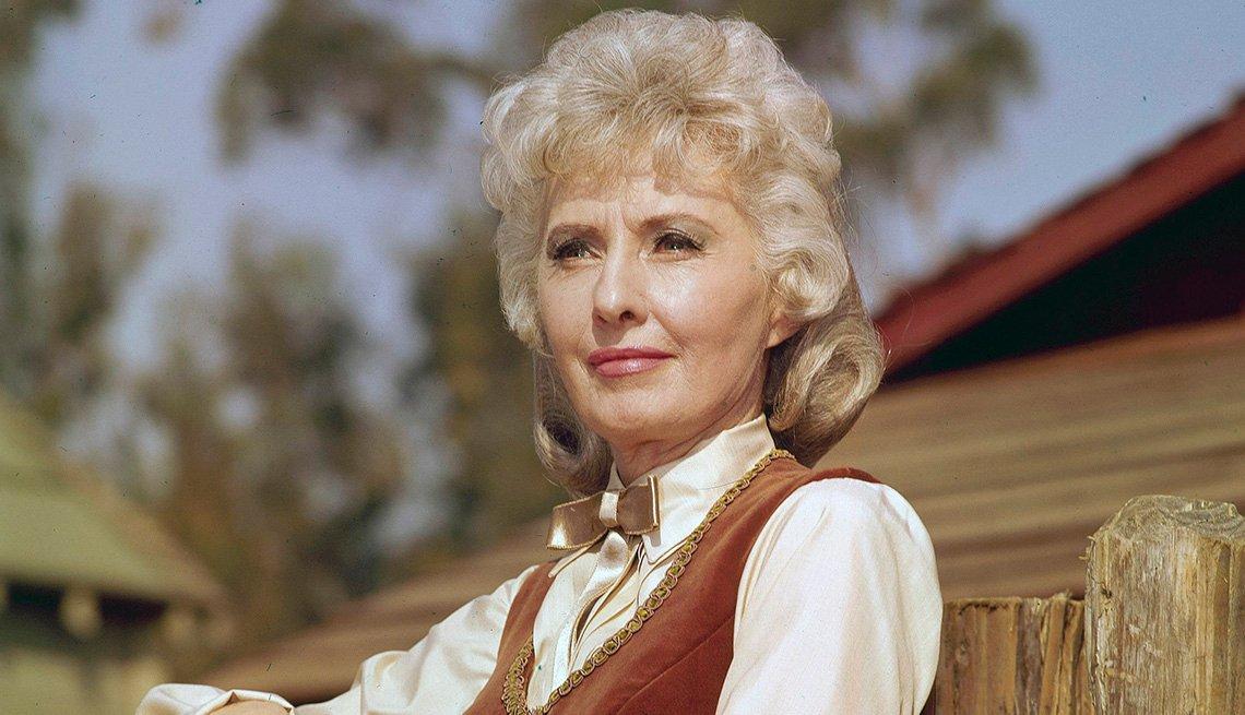 Barbara Stanwyck como Victoria Barkley en el show de televisión The Big Valley.