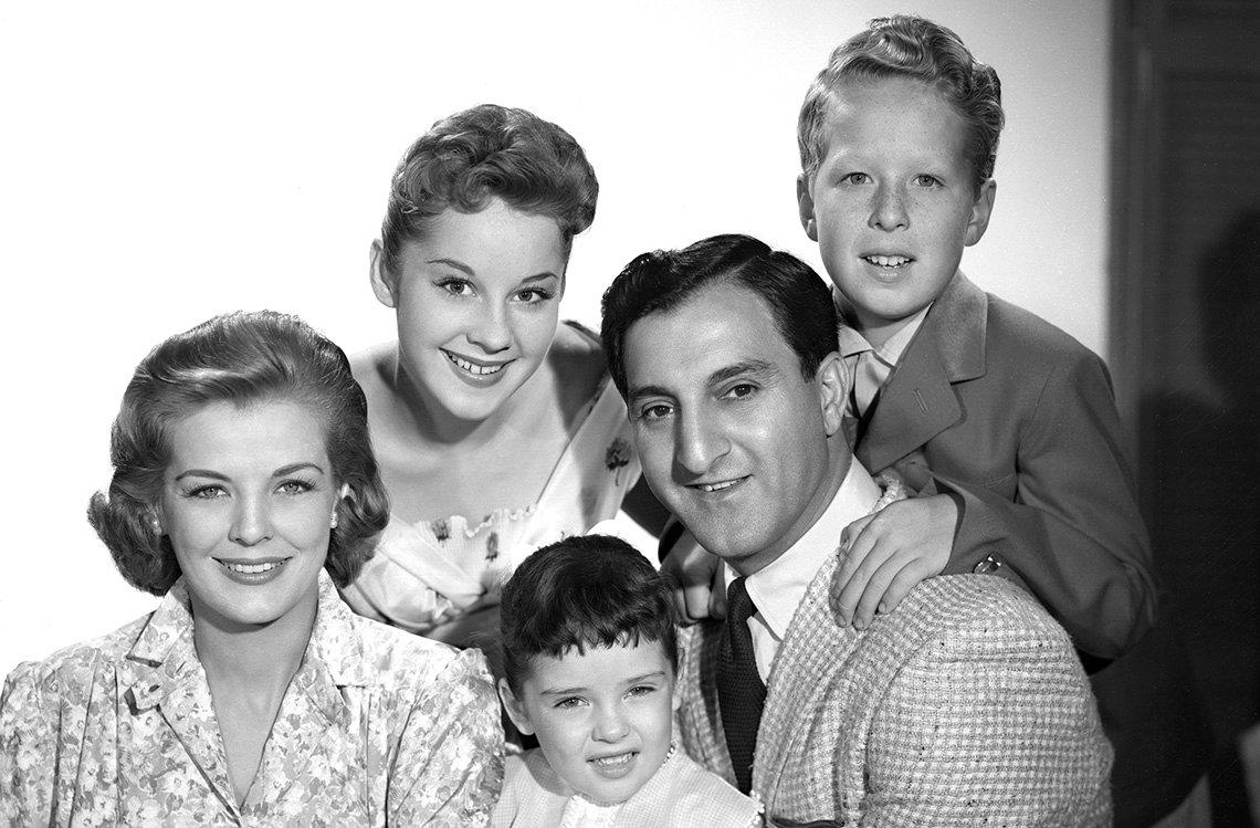 El elenco del programa televisivo Make Room for Daddy.