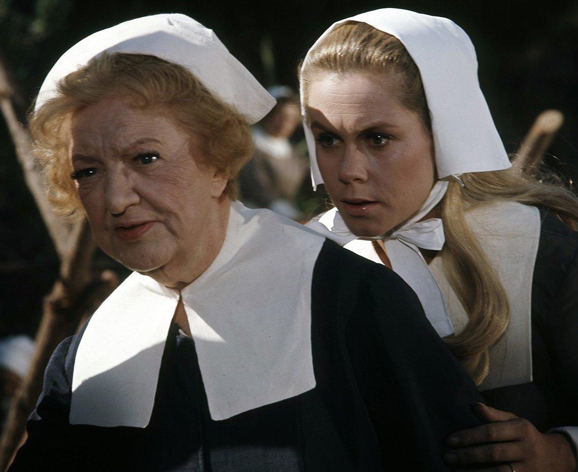 Marion Lorne y Elizabeth Montgomery en un episodio de Bewitched.