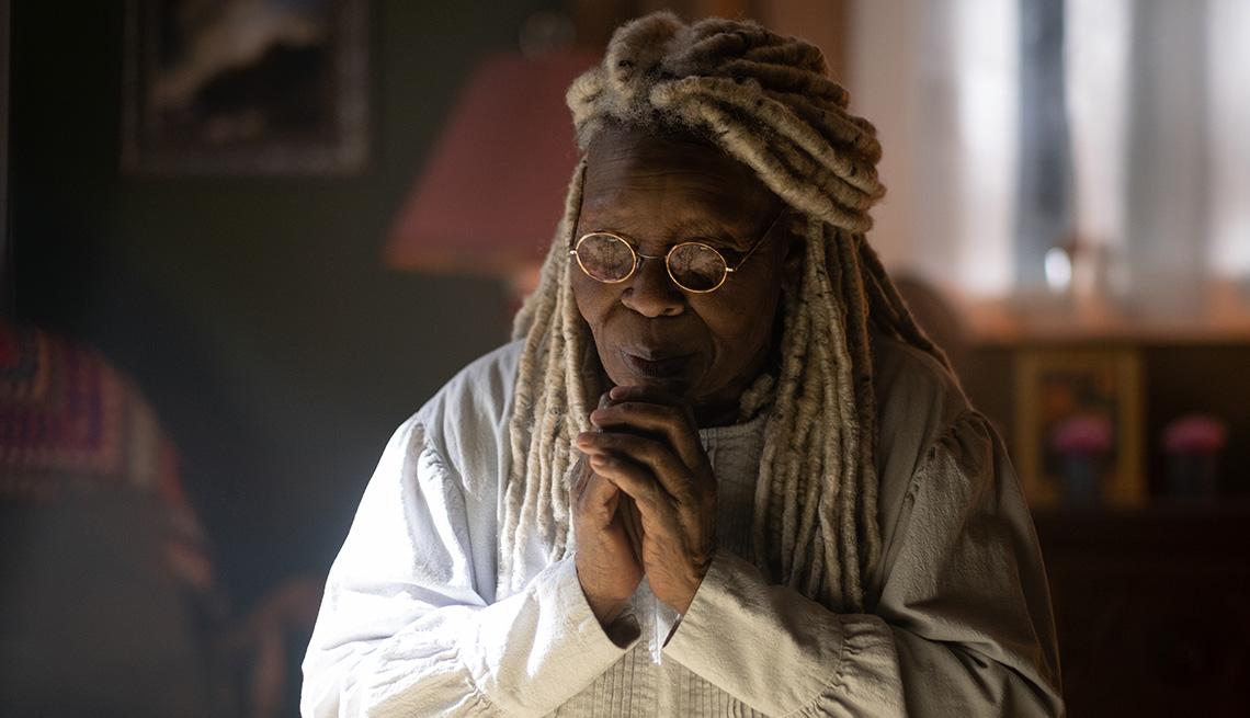 Whoopi Goldberg como Mother Abigail en una escena de The Stand.