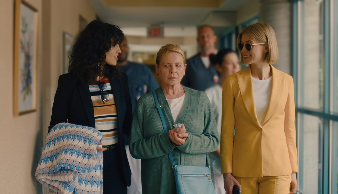 Eiza Gonzalez, Dianne Wiest and Rosamund Pike in a scene from the film I Care a Lot