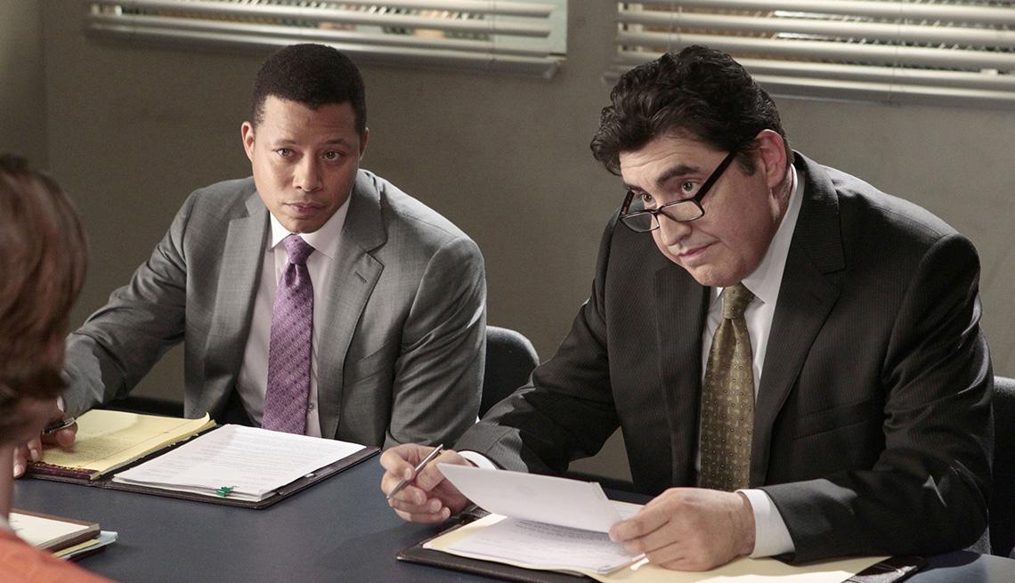 "Terrence Howard como Deputy D.A. Jonah ""Joe"" Dekker y Alfred Molina como Det. Ricardo Morales en ""Law & Order: LA.""."
