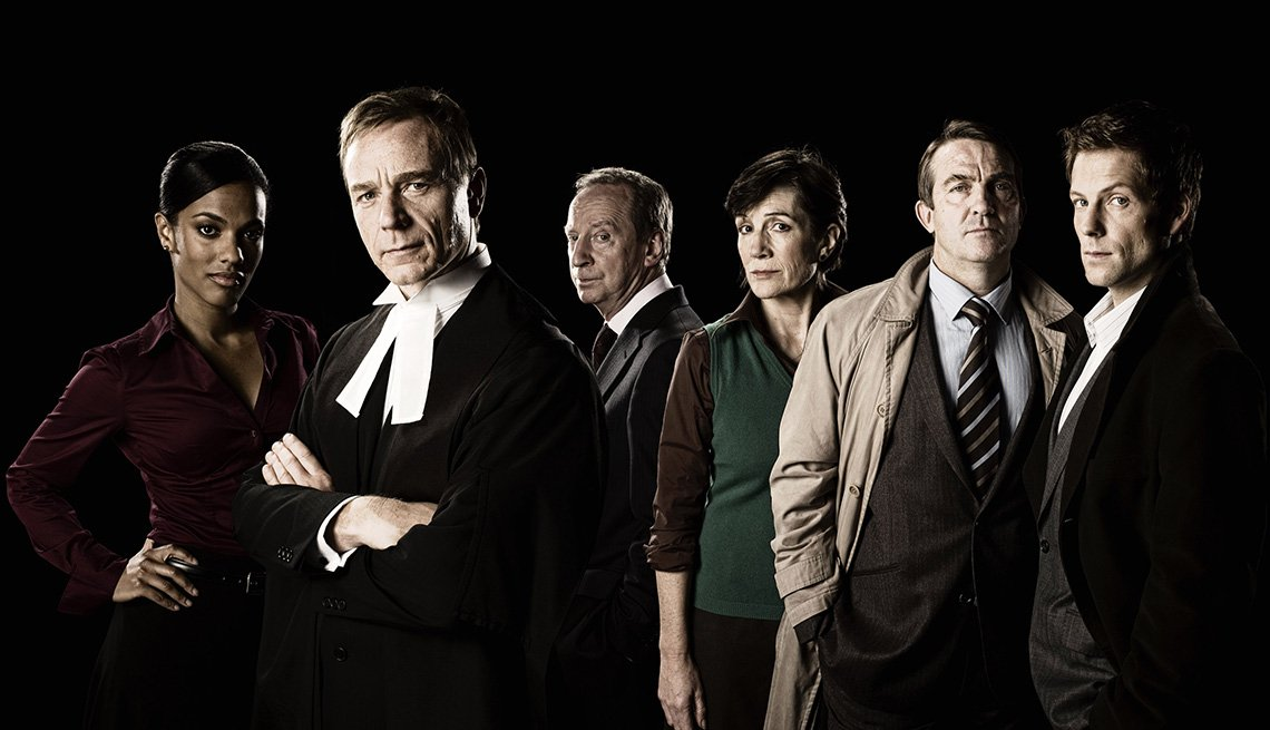 Freema Agyeman, Ben Daniels, Bill Paterson, Harriet Walter, Bradley Walsh and Jamie Bamber in the TV show Law and Order UK