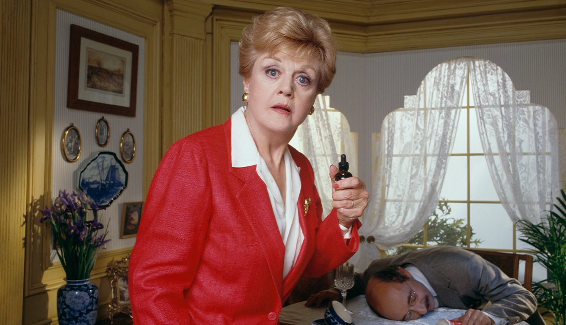 """Angela Lansbury interpreta a Jessica Fletcher, escritora de misterio y solucionadora de crímenes, en """"Murder, She Wrote""""."""