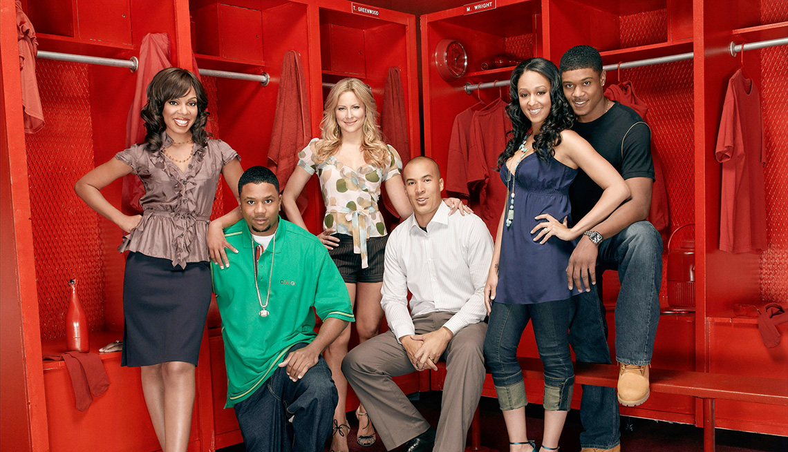 Wendy R. Robinson, Hoseas Chancez, Brittany Daniel, Coby Bell, Tia Mowry and Pooch Hall star in the TV show The Game