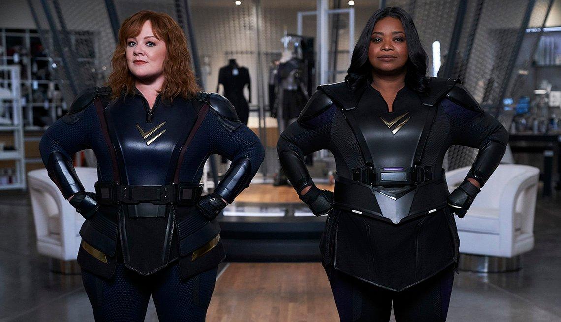 """Melissa McCarthy como Lydia y Octavia Spencer como Emily en """"Thunder Force""""."""