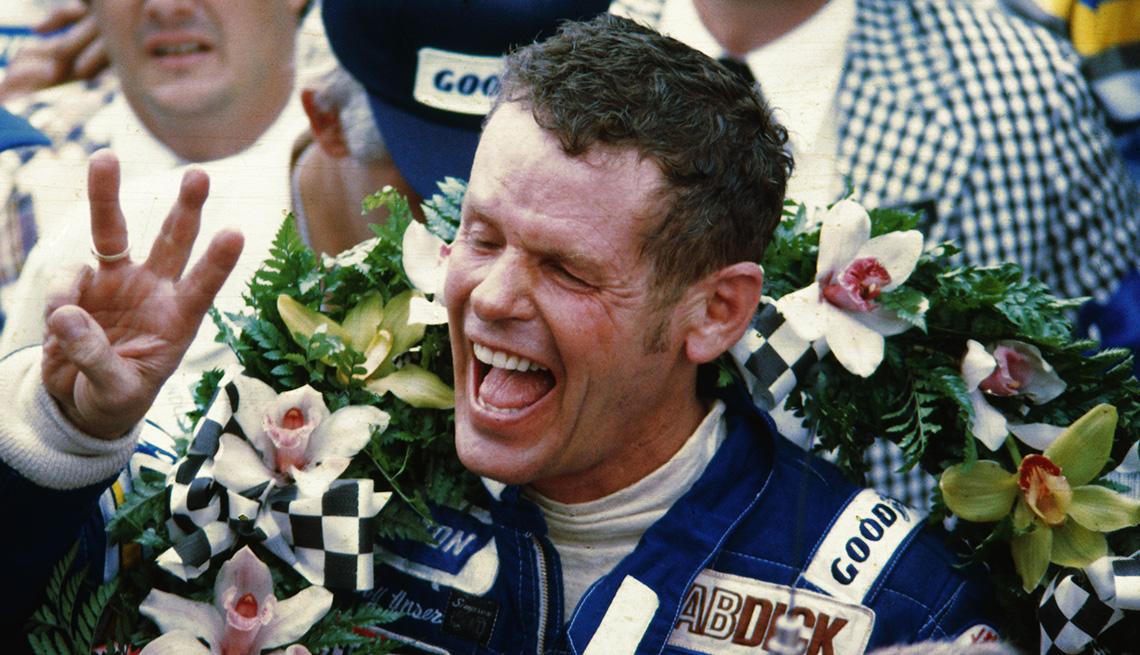 item 16 of Gallery image - El piloto de carreras Bobby Unser.