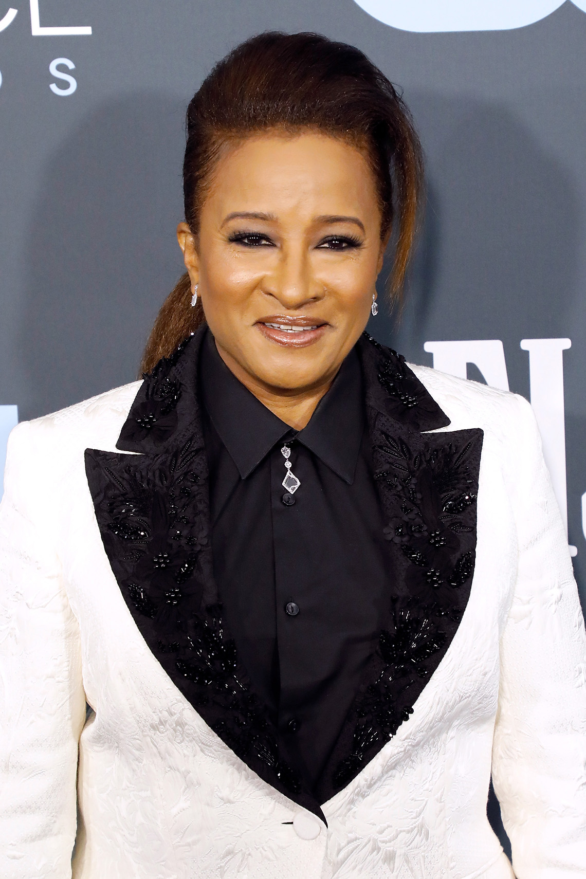 Wanda Sykes on the red carpet at the 25th Annual Critics Choice Awards