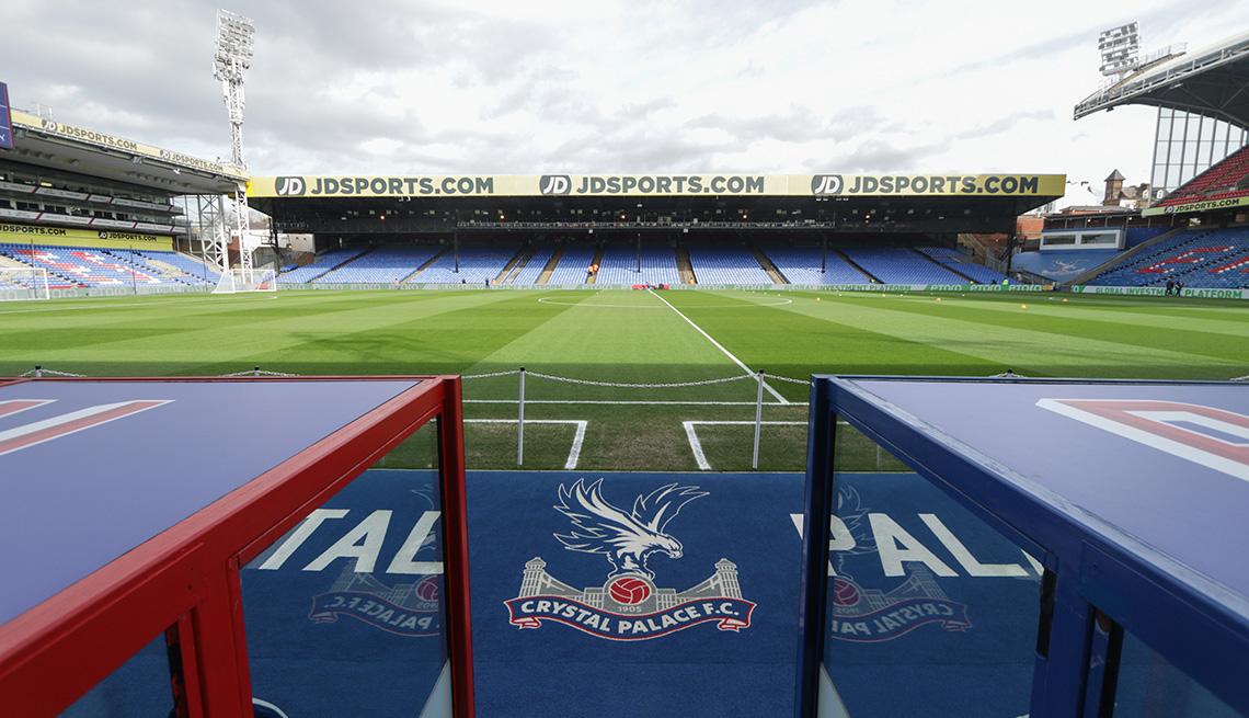 Una vista general del interior del estadio durante el partido de la Premier League entre Crystal Palace y Newcastle United en Selhurst Park, Londres, el sábado 22 de febrero de 2020.