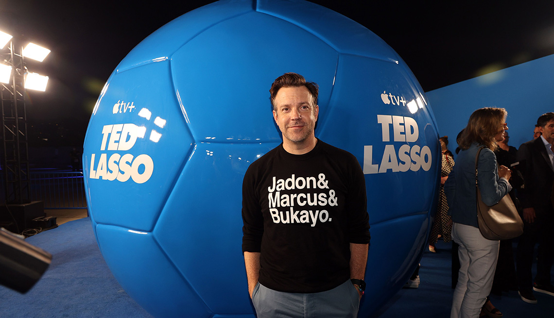 """Jason Sudeikis asiste al estreno de la segunda temporada de """"Ted Lasso"""" en el Apple en el Pacific Design Center el 15 de julio de 2021 en West Hollywood, California."""
