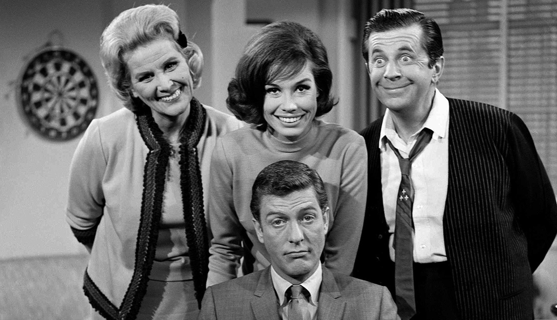 Rose Marie, Mary Tyler Moore, Morey Amsterdam and Dick Van Dyke on The Dick Van Dyke Show