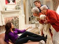 Programa de televisión Happily Divorced con Fran Drescher, Rita Moreno, John Michael Higgins y Walden Robert