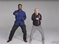 Dos hombres haciendo ejercicios - Jovenes expresan que es viejo para ellos
