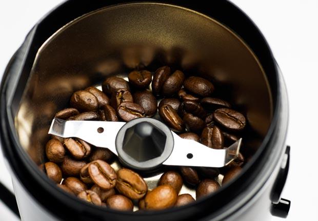 Triturador de café - 10 Herramientas de cocina esenciales