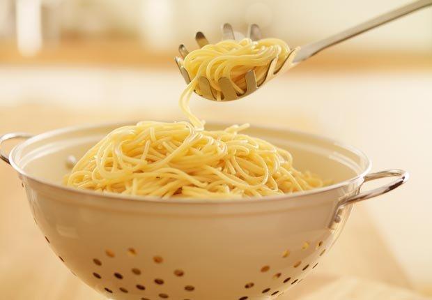 Colador para pasta - 10 Herramientas de cocina esenciales