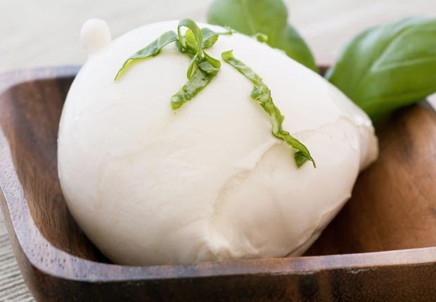 Queso Mozzarella - 10 Comidas vegetarianas altas en proteínas