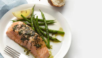 dinner, summer, easy, salmon, green beans, pesto, lemon, bread, celebrity chef, jamie oliver