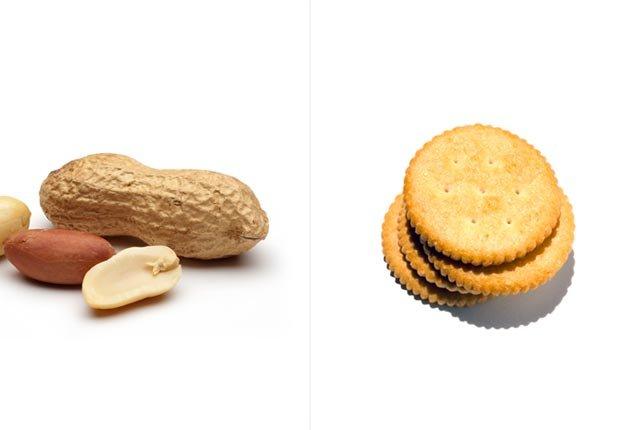 Maníes y galletas