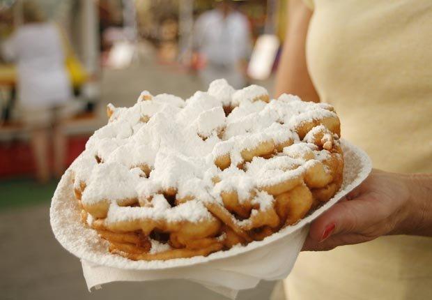Funnel cakes - 10 Alimentos de festivales que va a arruinar su dieta