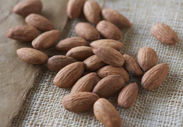 Almendras - 10 alimentos saludables que pueden ayudar a relajarse