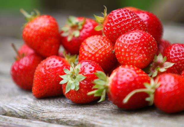 Fresas, los alimentos que te mantienen hidratado.