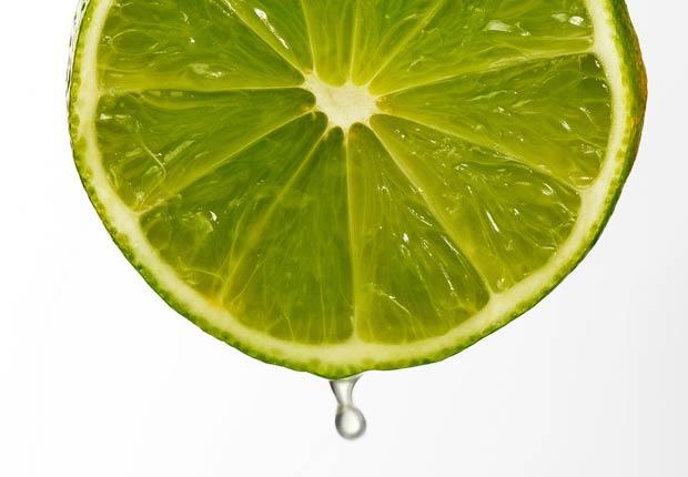 Gota de limón, 10 buenas razones para agregar el limón a su dieta