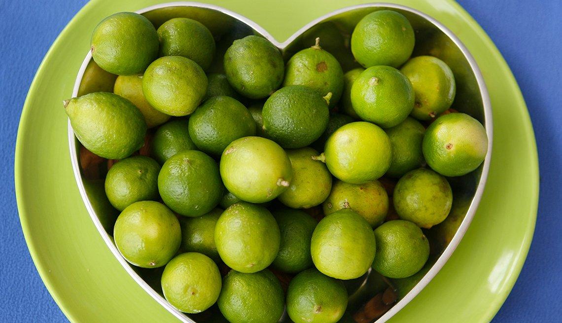 Limones agrupados en forma de corazón
