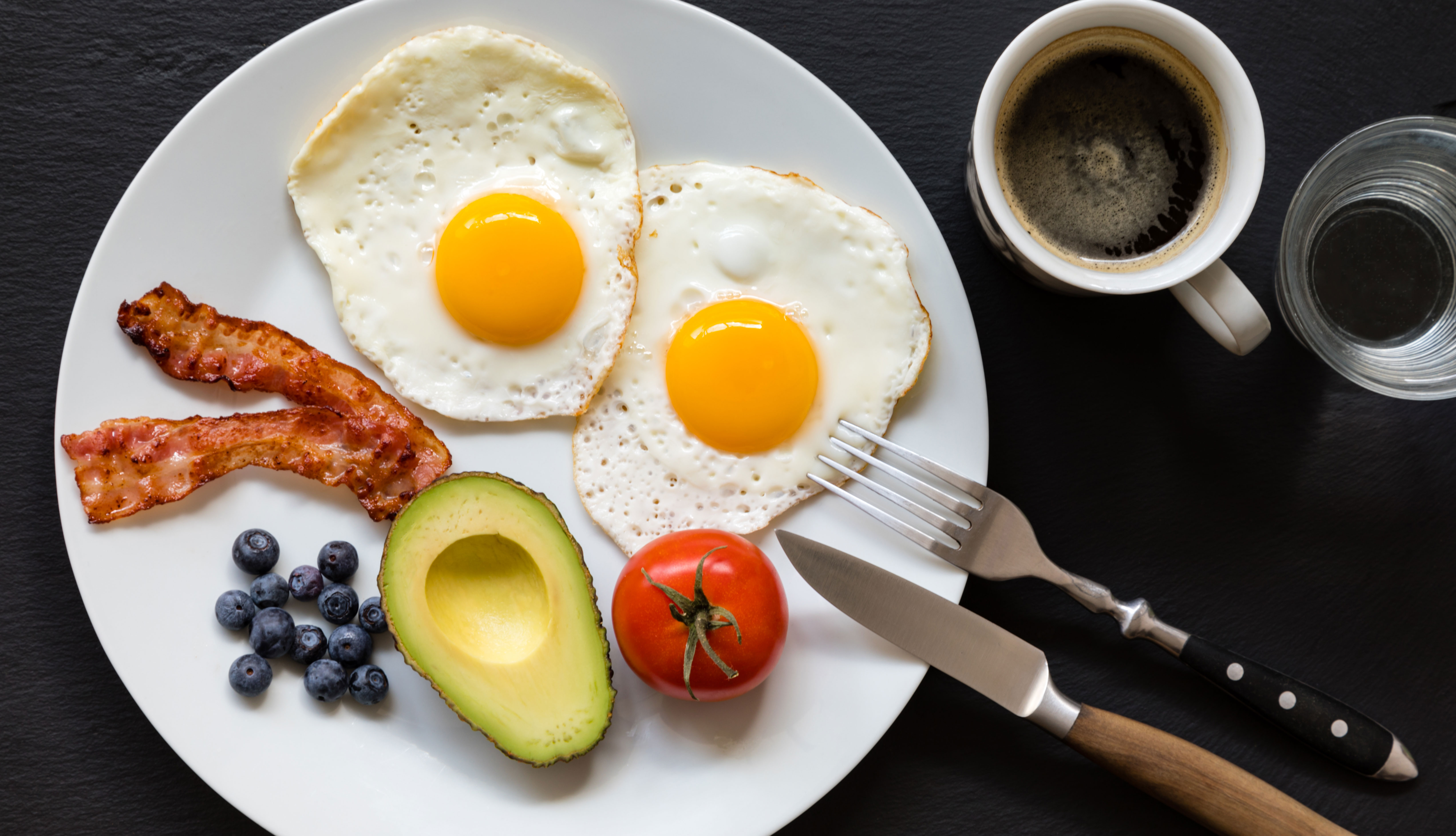 cuantos gramos de carbohidratos debo consumir para bajar de peso