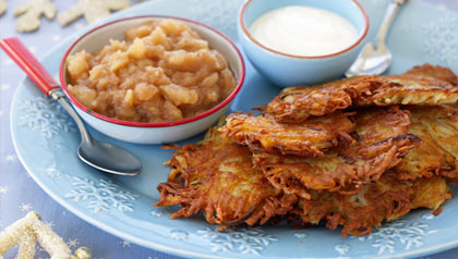 potato latkes with sour cream and apple sauce - hanukkah dishes
