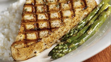 recipes for main dishes under 400 calories: swordfish with asparagus