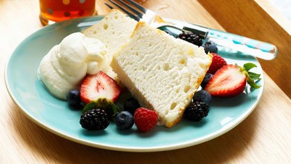 low fat dishes recipes angel food cake with  berries and whipped cream