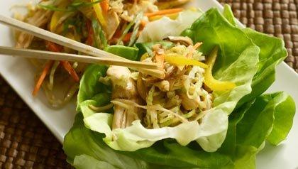Recetas para prevenir el cancer de colon: Pollo mu shu envuelto en lechuga