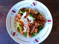 Perfect dinner: Pasta dinner, Broccoli and Pepper Pasta with Light Creamy Tomato Sauce