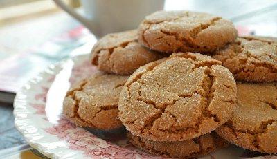 Crisp Chewy Ginger Cookies